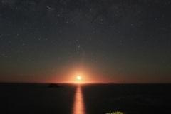 Moon set at Muriwai